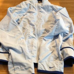 NWT Beautiful blue Nike windbreaker size medium
